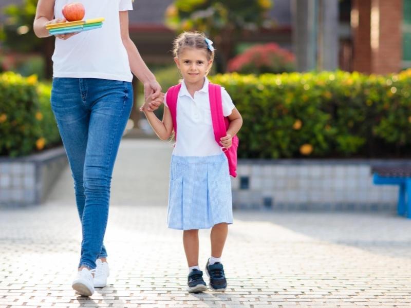 Що дитина має зробити вдома після школи: пам'ятка для батьків