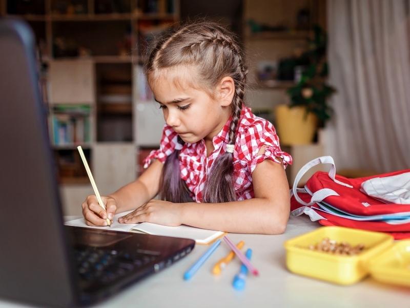 Шкільний дайджест № 17: навчаємося вдома