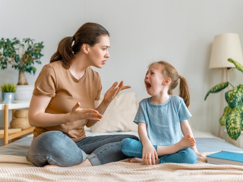 Дитина провокує вас на крик: 4 способи попередити скандал