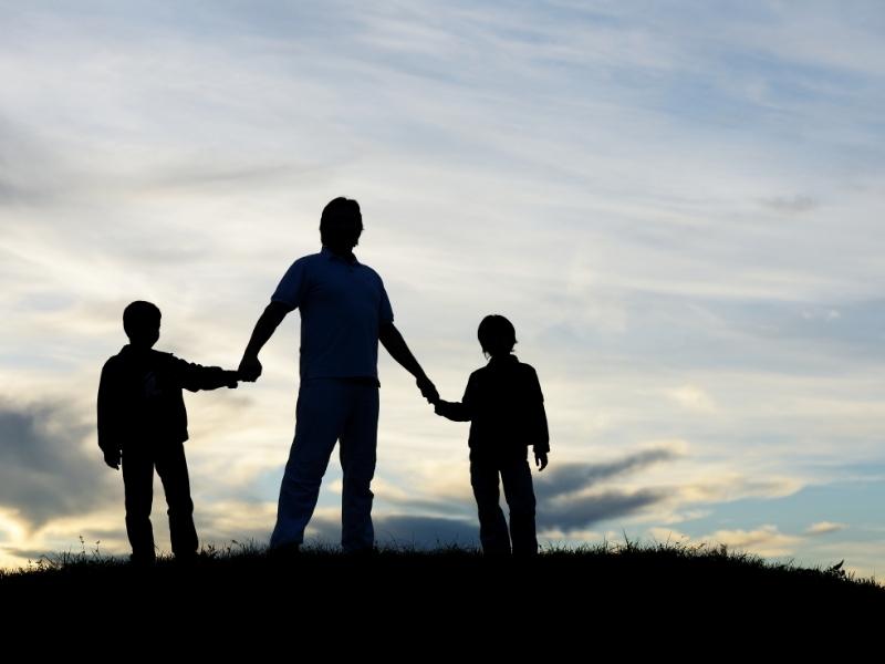 Що сини мають чути від татусів щодня, аби вирости справжніми чоловіками