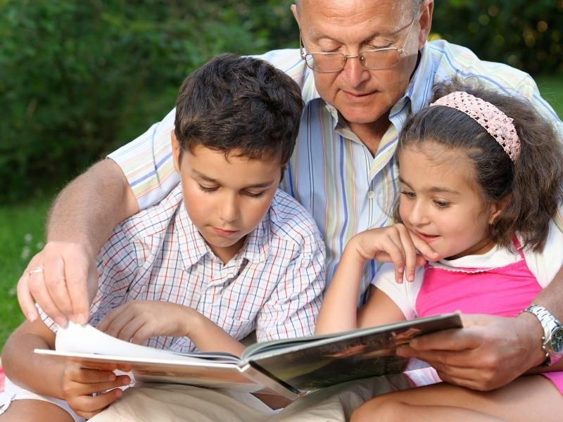 10 способів заохотити дитину більше читати