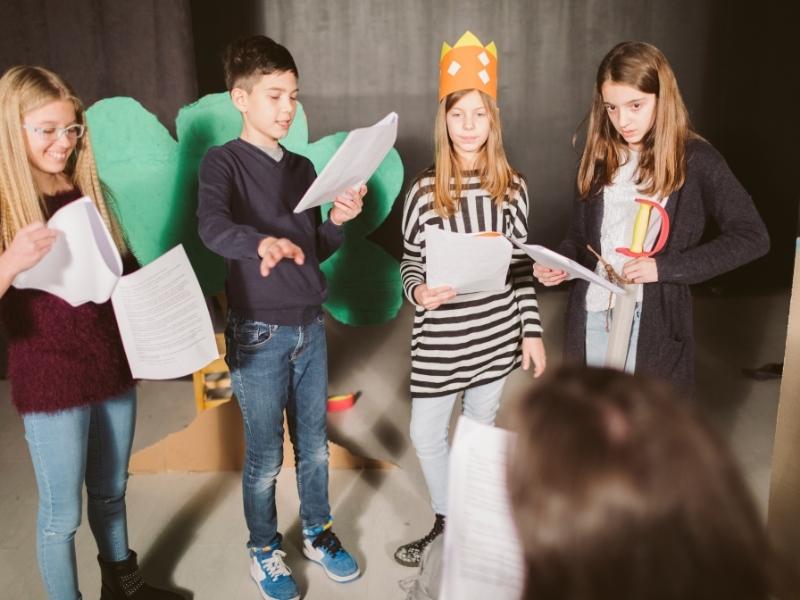 9 причин, чому вашій дитині потрібні уроки театрального мистецтва
