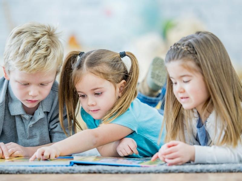 Навіщо діти вчаться читати «спотворені» тексти