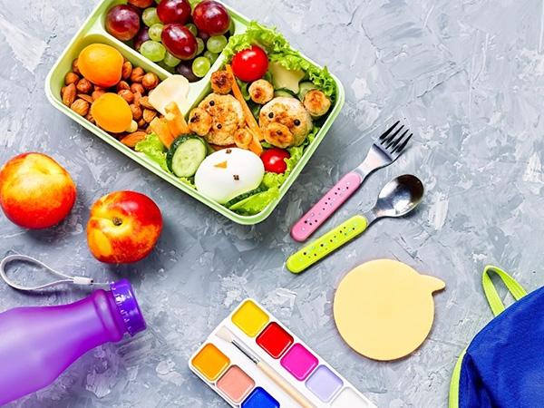 Чим годувати першокласника: шкільне меню для здоров'я і гарних оцінок (Інфографіка)