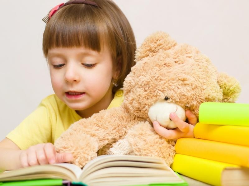 """Як реагувати на заяву дитини: """"Не люблю читати!"""""""