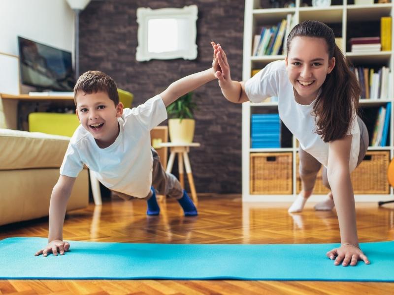 Дитина на «дистанційці» замало рухається — що робити батькам