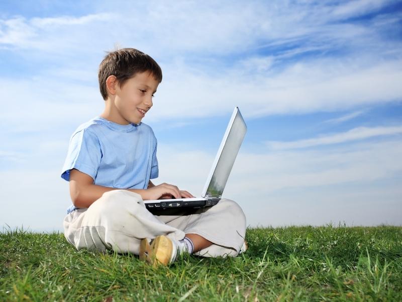 Кібербезпека для батьків: захистіть свою дитину в інтернеті